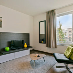 furnished studio apartment with cable television on brussels canal