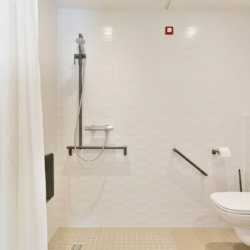 zilverhof one bedroom apartment with disabled friendly toilet and shower