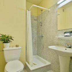 Bathroom Dunant Gardens Studio Apartment