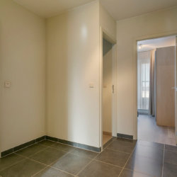 entrance to furnished bbf apartment in european quarter