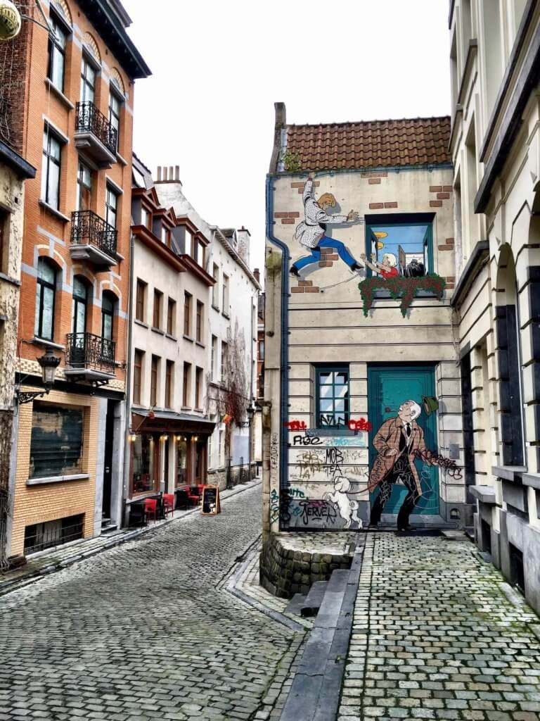street artwork in brussels, comic strip cartoons
