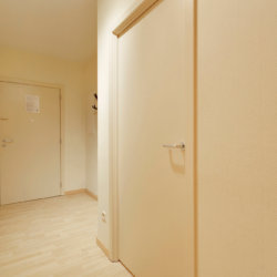 entrance hall to spacious two bedroom serviced apartment in etterbeek