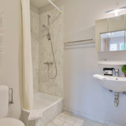 ensuite with shower in bbf serviced apartment in etterbeek