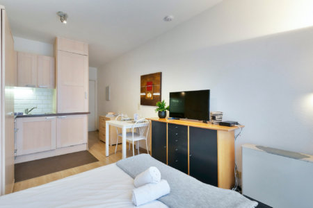 serviced apartment with cable television near european commission
