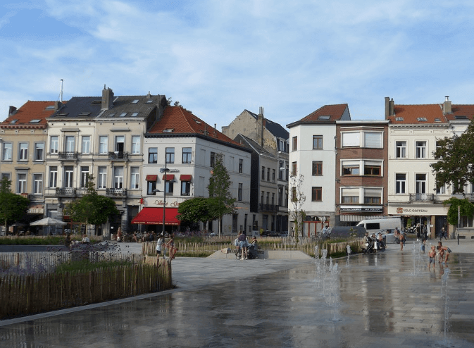 place fernand coq near bbf apartments