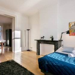 double bed with linens in serviced bbf apartment brusses